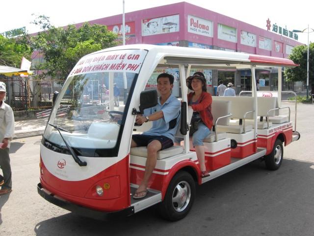 stockvault-tax-free-super-market-bus116400
